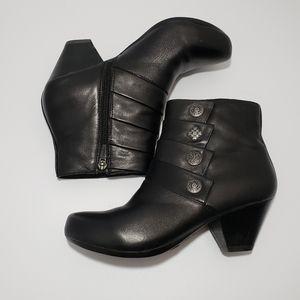 Dansko Shoes - Dansko Baker Black Leather Ankle Bootie